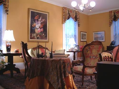 Antique Living Room Massachusetts